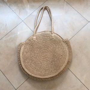 Handbags - Spacious straw bag